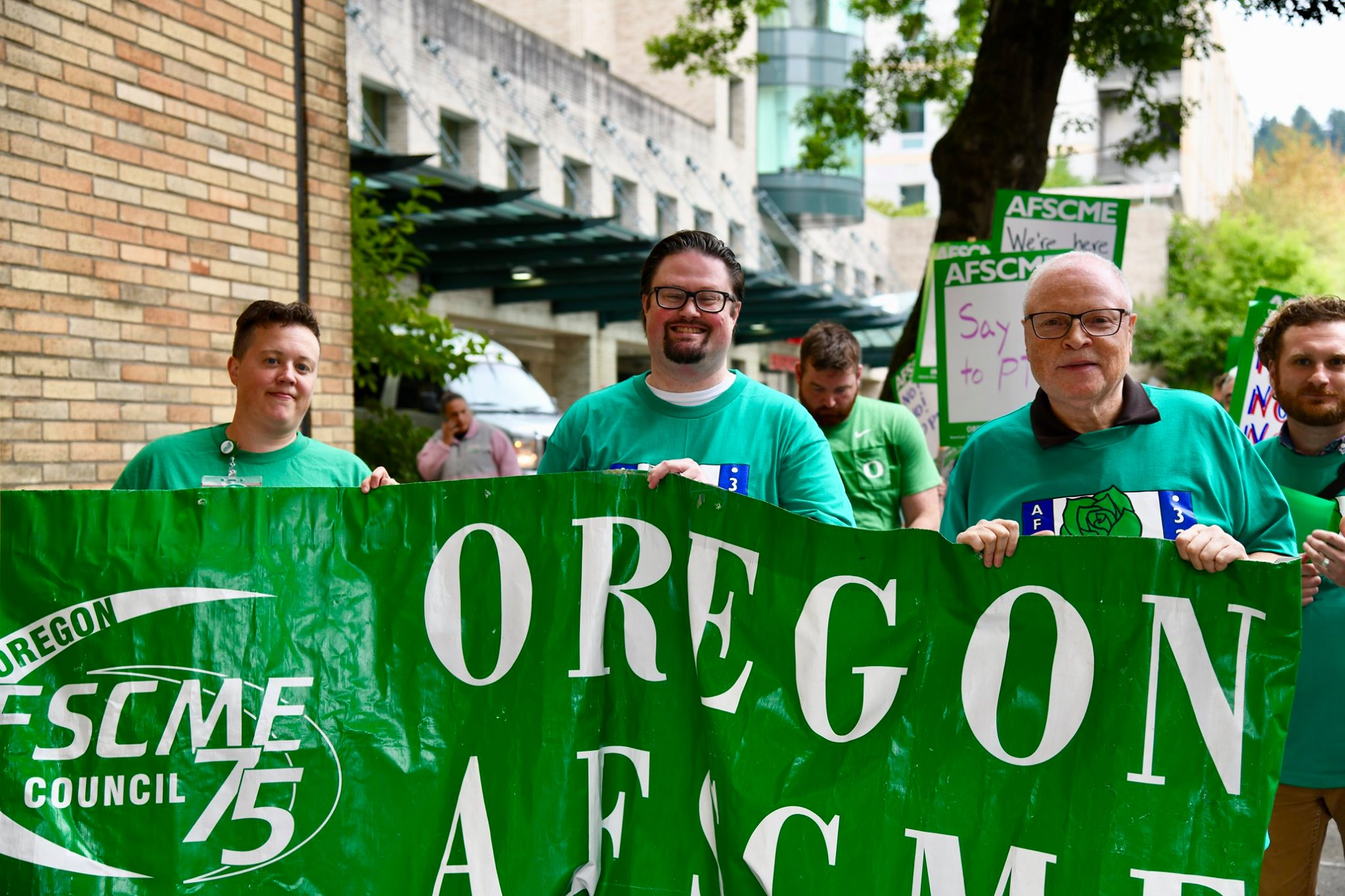 Oregon Health and Science University Workers Stand Together for Respect
